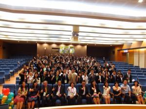 1. 103年7月29日亞太城市台灣青年高峰會與會貴賓與青年學生合影