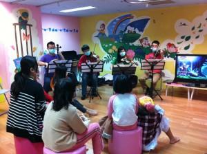 學生參與公民素養陶塑計畫之築夢成夢計畫,舉辦I See You音樂故事分享會以鼓勵病童