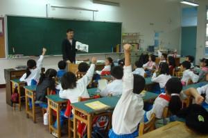 生涯志工弱勢學生課業輔導服務