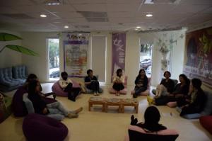 懷愛書院於高雄市婦女館舉辦「聽她說故事」共學日活動。
